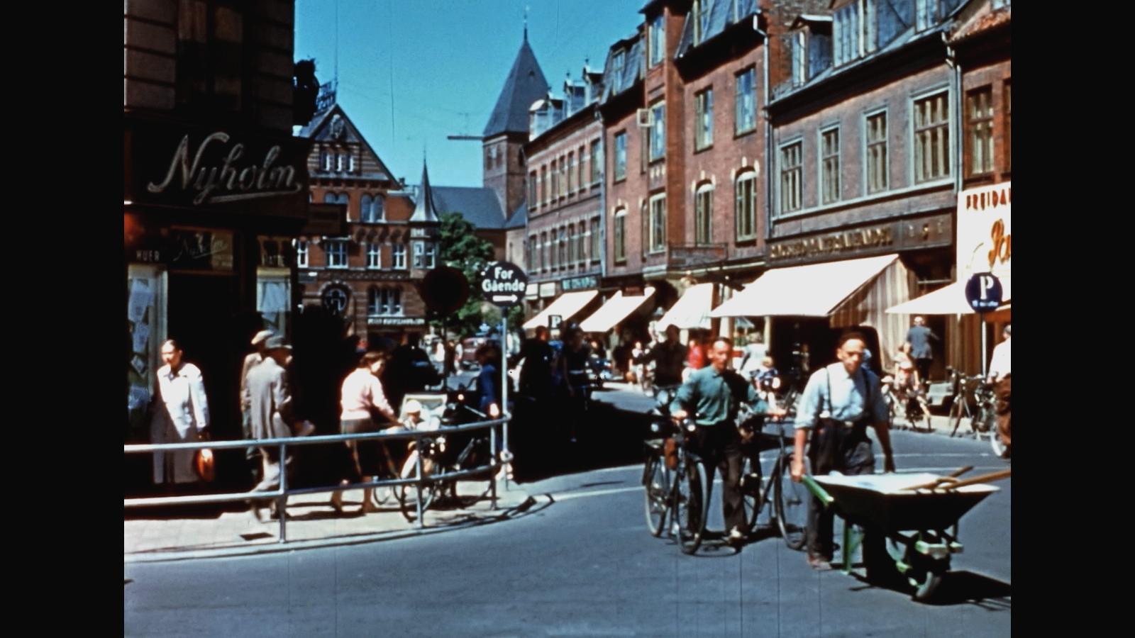 Hallefilmen – Vor egen by: Historisk Tirsdags TV