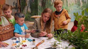 Børn får hjælp til aktivitet